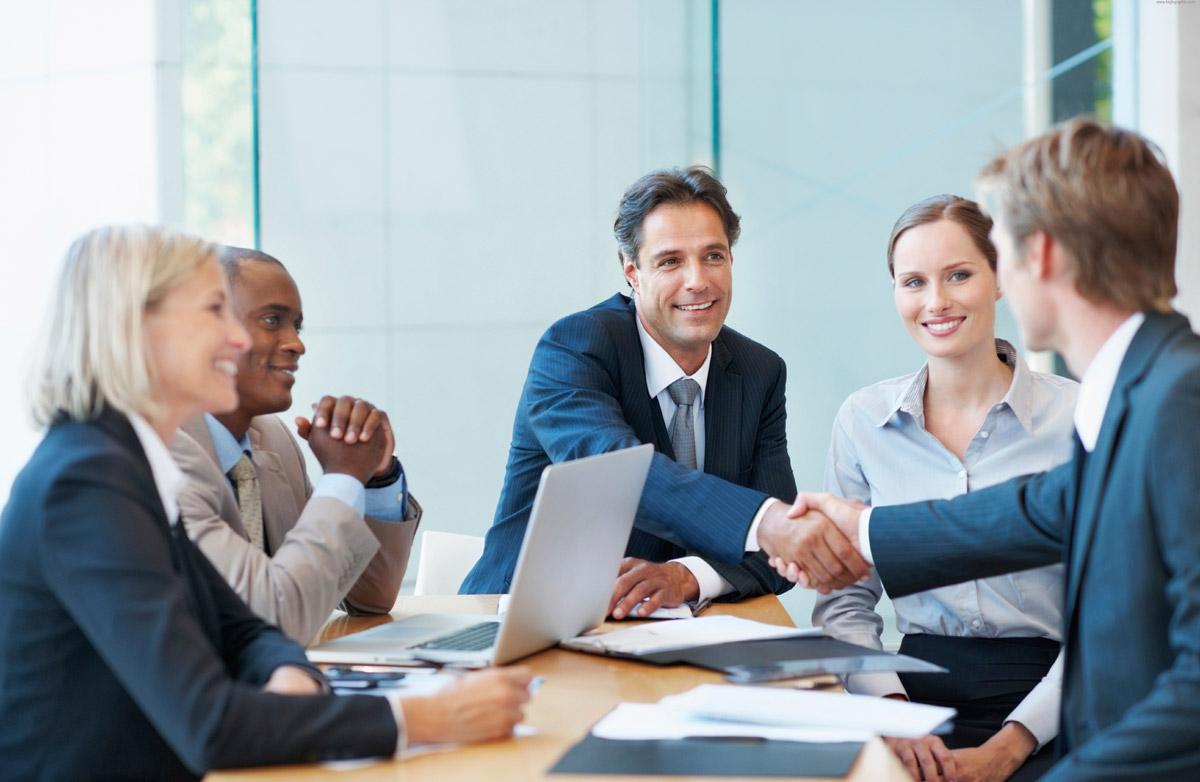 BtoBマーケティングで知らなくてはならない2つの基本事項〜顧客の購買行動と役割分担